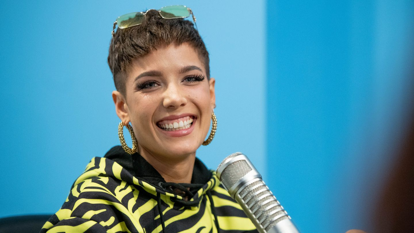 Halsey Is Hosting Snl Next Month — But Will She Perform New Music?
