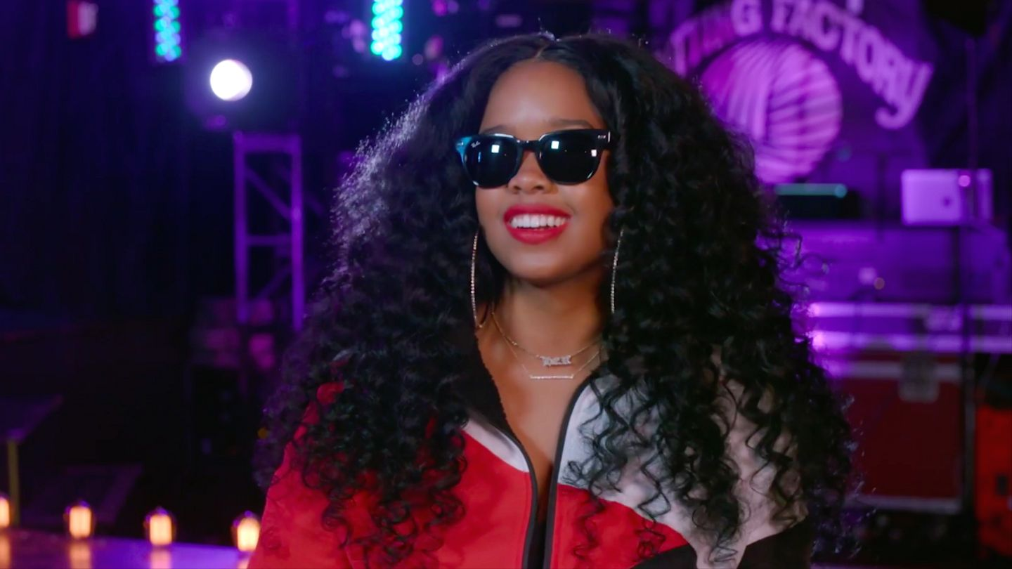 H.e.r. Is Psyched To Be A Breakout Artist In 2019: 'real Music Is Coming Back'