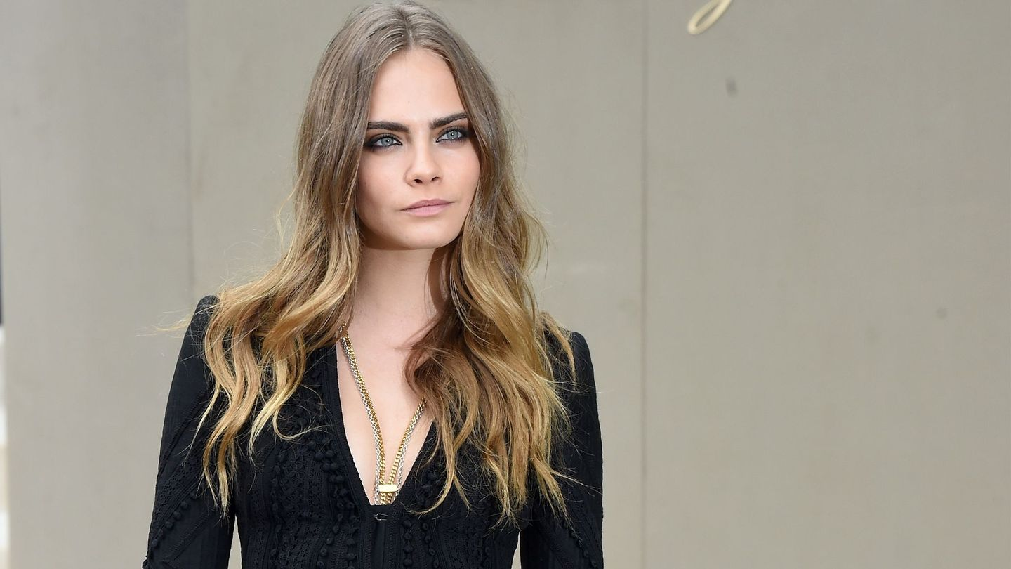We're Not Used To Seeing Cara Delevingne Like This At Fashion Week