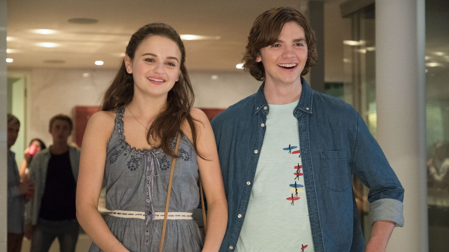 Watch The Kissing Booth Stars Playfully Announce The Sequel To The Hit Movie