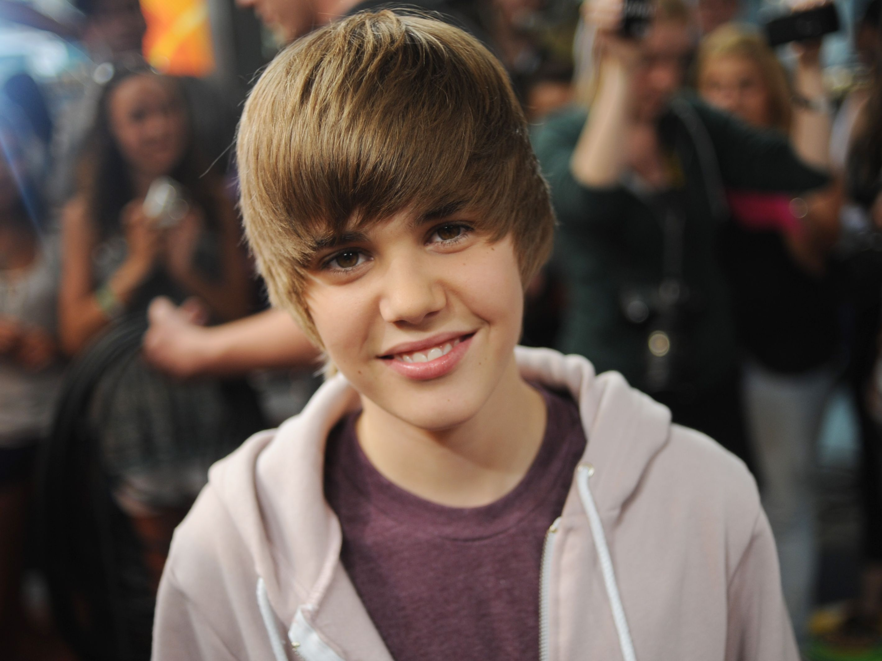 10 Years Of Justin Bieber Fans Reflect On How Beliebing Changed Their Lives Mtv