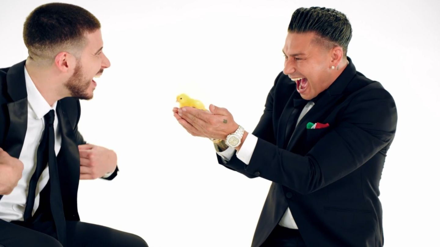 Dj Pauly D And Vinny Are Surrounded By Chicks (but It's Not What You Think)