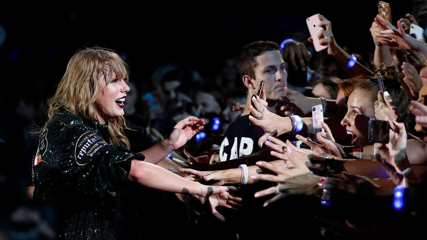 Everything You Need To Know About The Taylor Swift Stan Account Drama