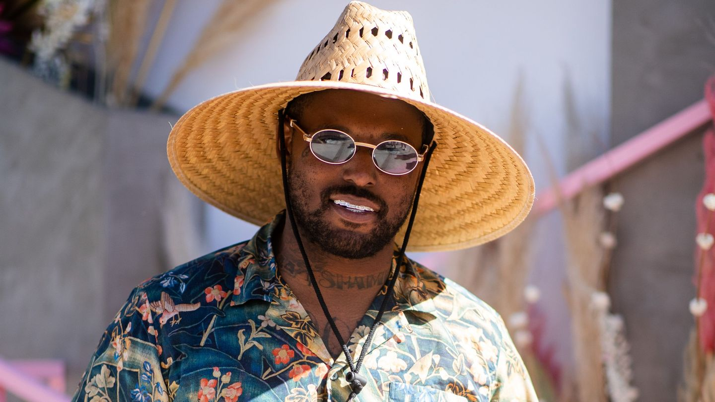 Schoolboy Q Is A Paper Bag-Wearing Psycho In New Crash Talk Album Trailer