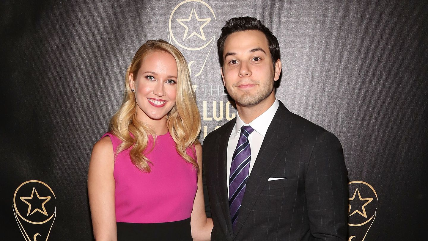 Anna Camp And Skylar Astin Call It Quits After A Brief Two-Year Love Song