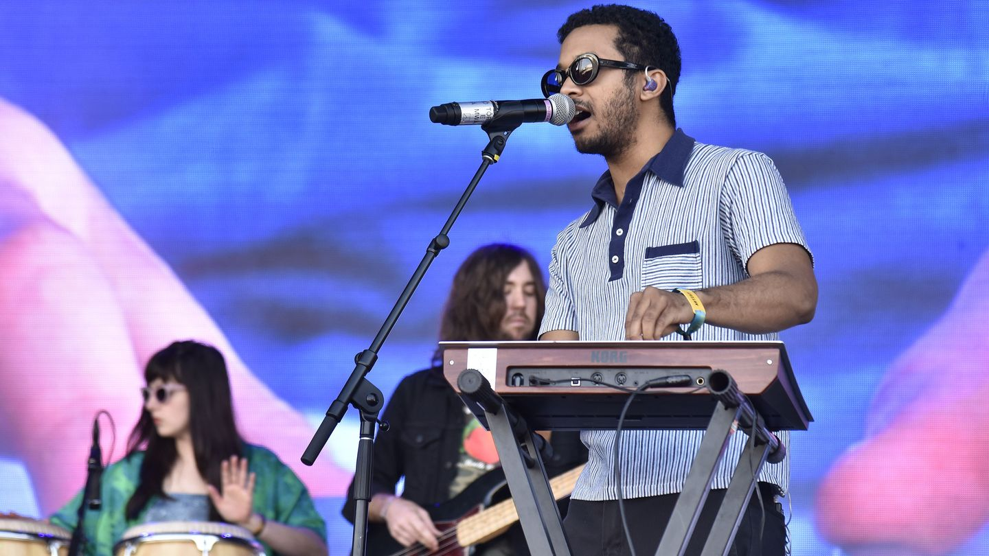 Toro Y Moi Bathes In Midnight's Lights In Late Night 'Freelance' Performance