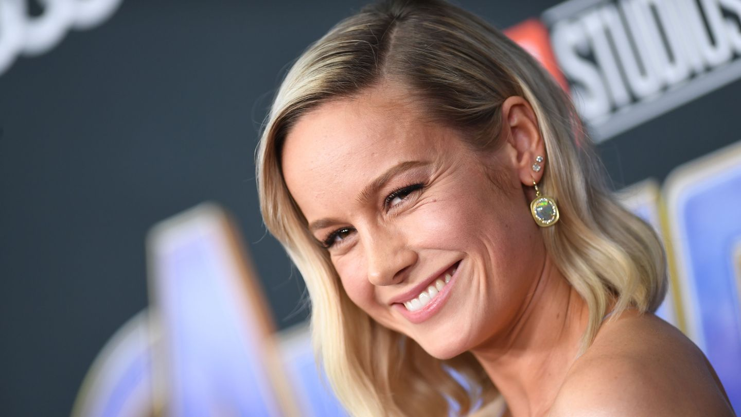 Brie Larson and Scarlett Johansson Dazzle With Infinity Stone-Inspired Jewelry