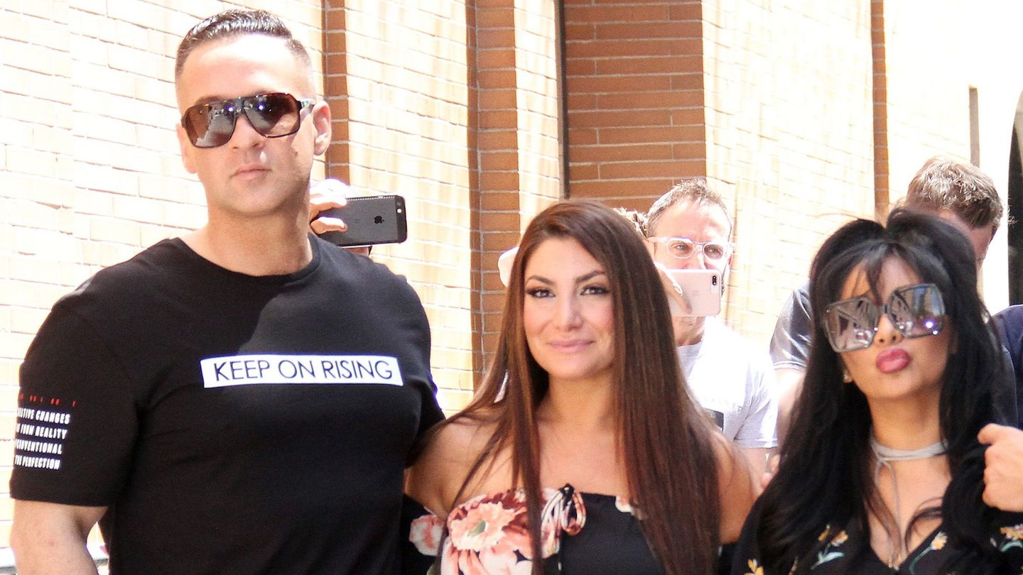 #freesitch: Mike Sorrentino Just Had More Jersey Shore Visitors In Prison