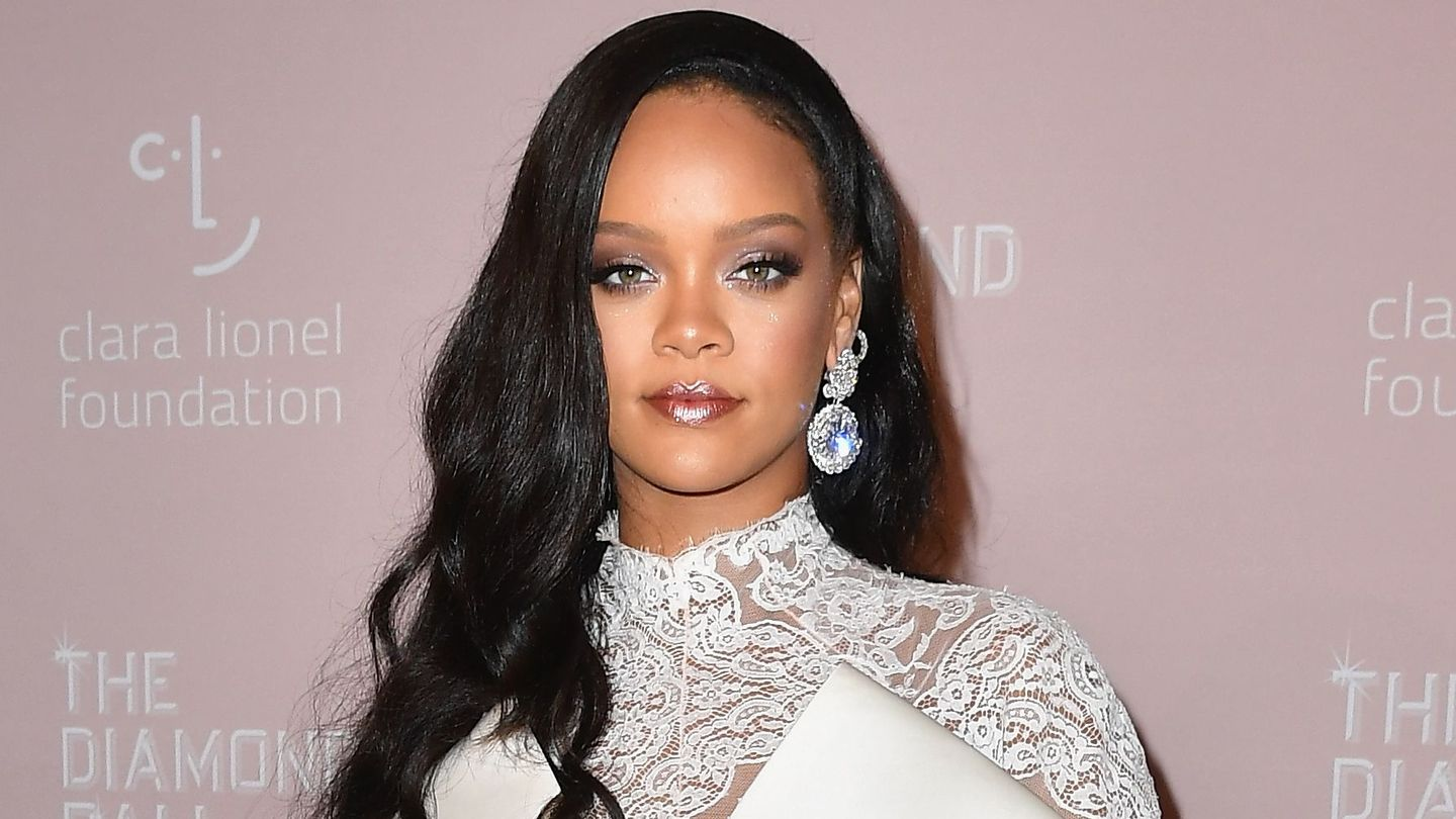 Rihanna Doesn't Know The Name Of Her Album Yet — But She Feels Like It Might Be R9