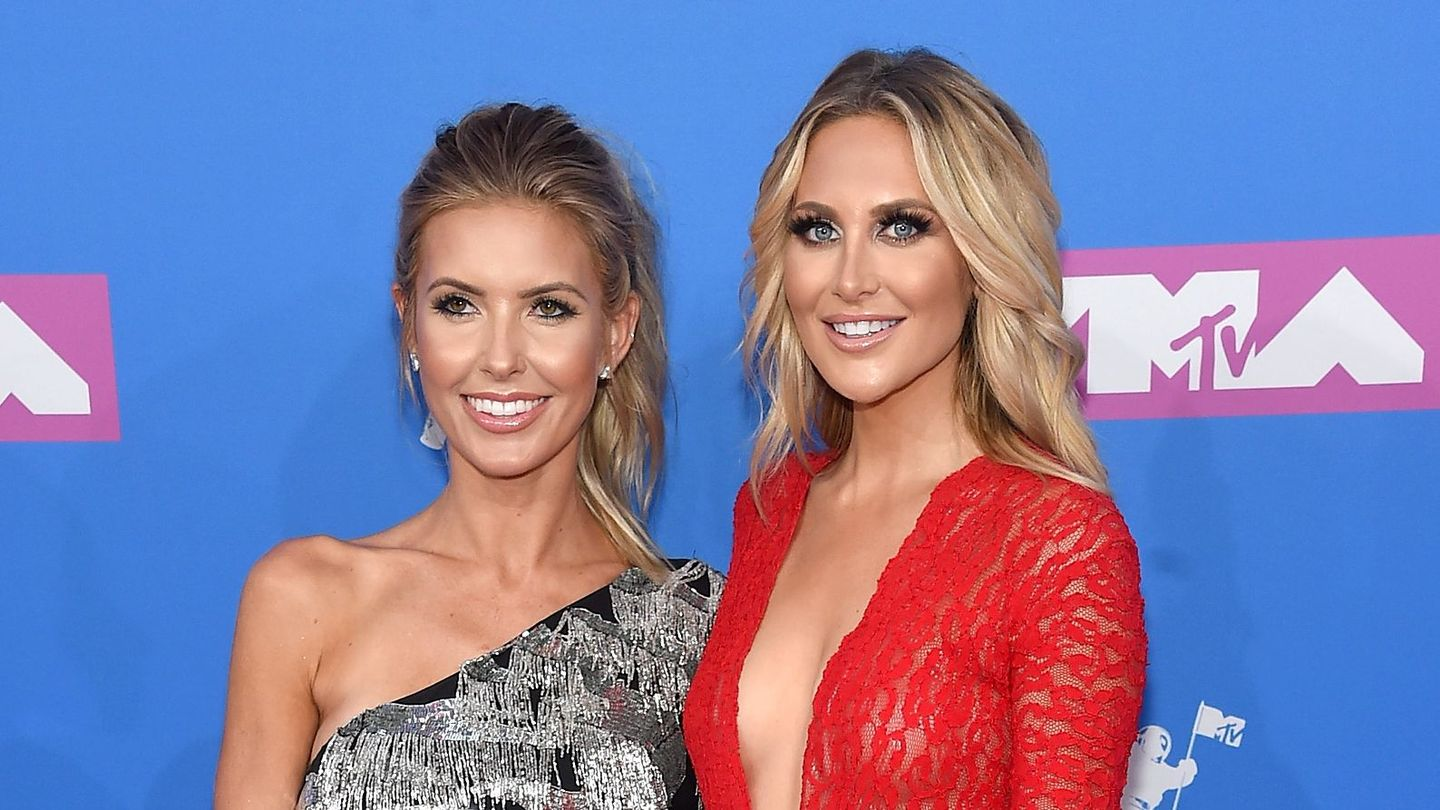The Hills Ladies (and Amazon Alexa) Are Offering Essential Fashion Advice