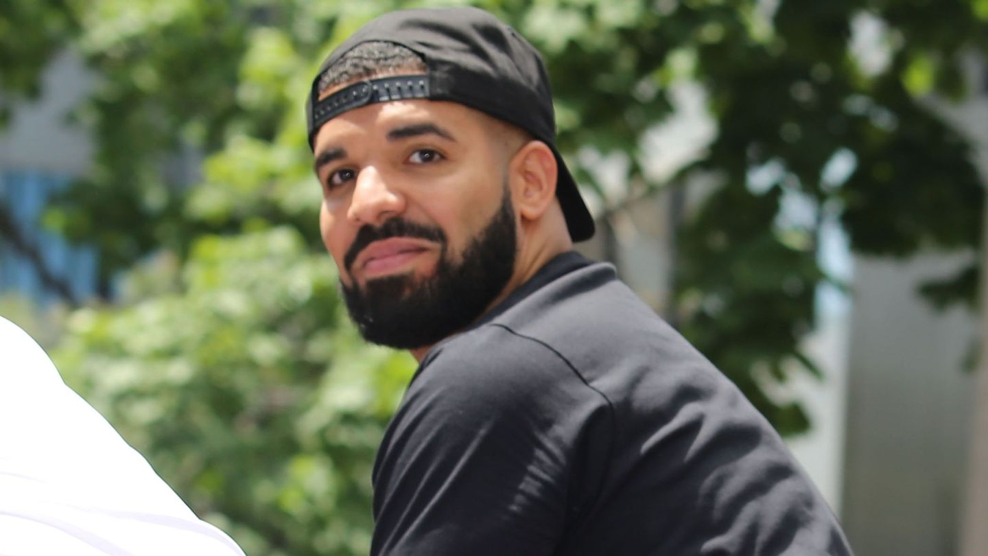 Drake Has Switched To 'album Mode'