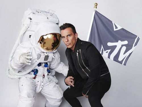 It's No Mistake: Sebastian Maniscalco Will Host The 2019 VMAs