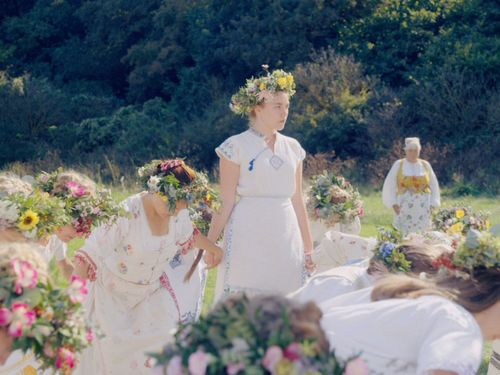 New Midsommar Footage Makes A Nightmarish Set Of Rituals Look Like A Vacation