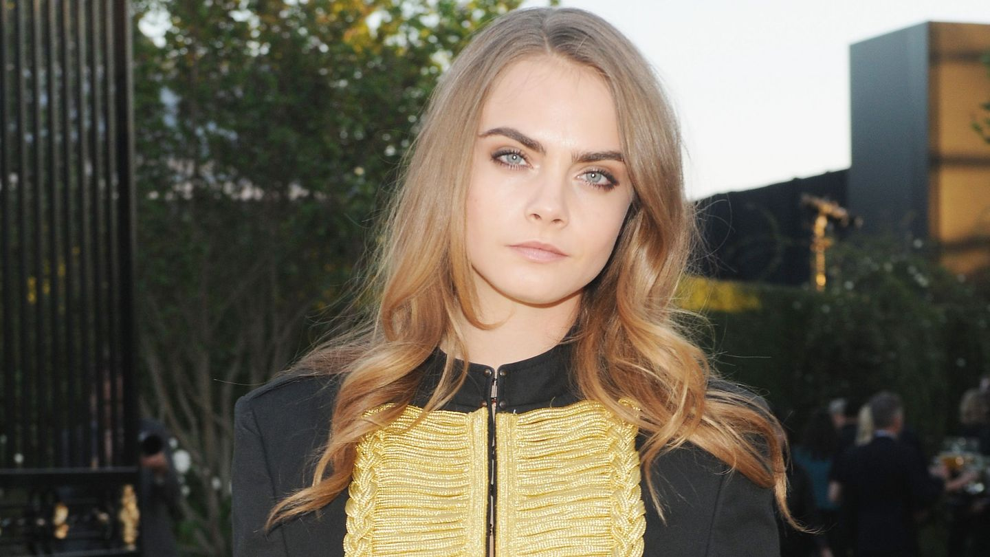 Cara Delevingnes Tom Ford Ad Gets Banned In London After