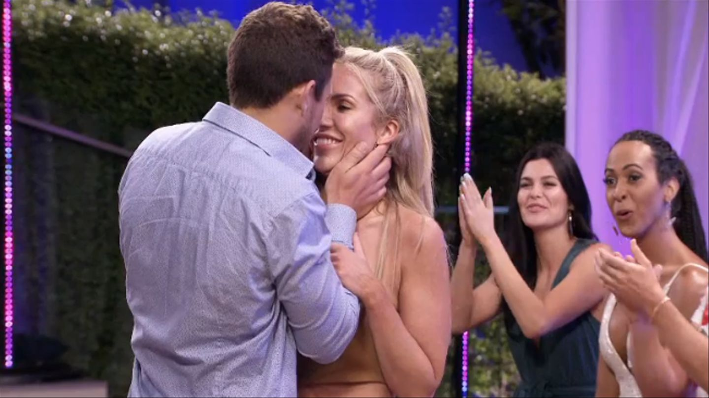 Loose Lips: Ex On The Beach's Marie Talks About That 'unexpected' Kiss With Devin