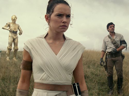 New Star Wars: The Rise Of Skywalker Footage Teases Rey's Dark Side