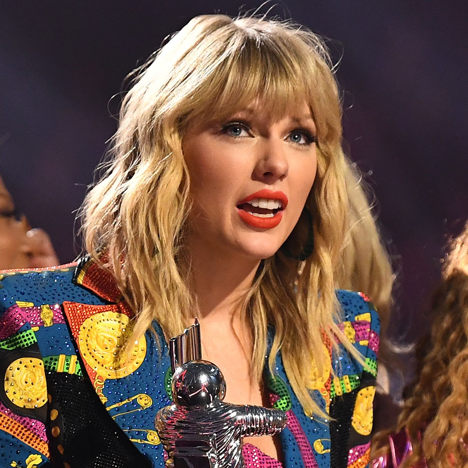 Taylor Swift Used Her VMA Video Of The Year Speech To Call