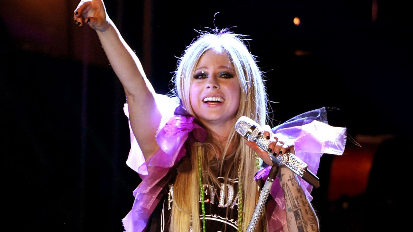 Avril Lavigne's New Tour Is An Uncomplicated Parade Of Hits