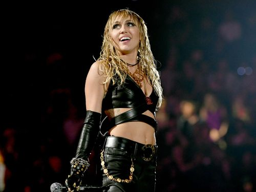 Miley Cyrus Went Full Rockstar For The First Performance Of 'Don't Call Me Angel'