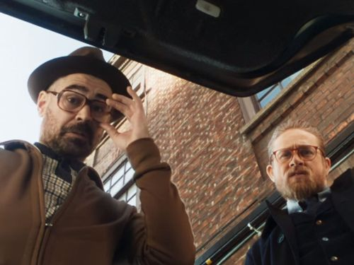 The Gentlemen Unites Charlie Hunnam And Henry Golding In A Seedy World Of Crime