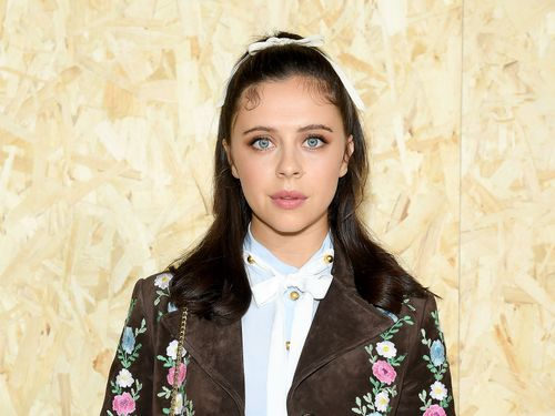 Bel Powley Talks The Morning Show, Friends, And Feeling 'Strong Enough To Say What I Want'