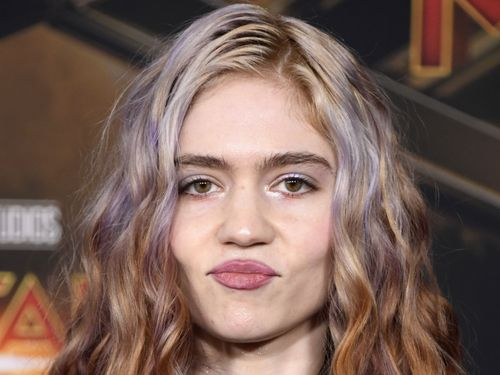 Grimes Sinks Through The Soil In Spacey 'So Heavy I Fell Through The Earth'
