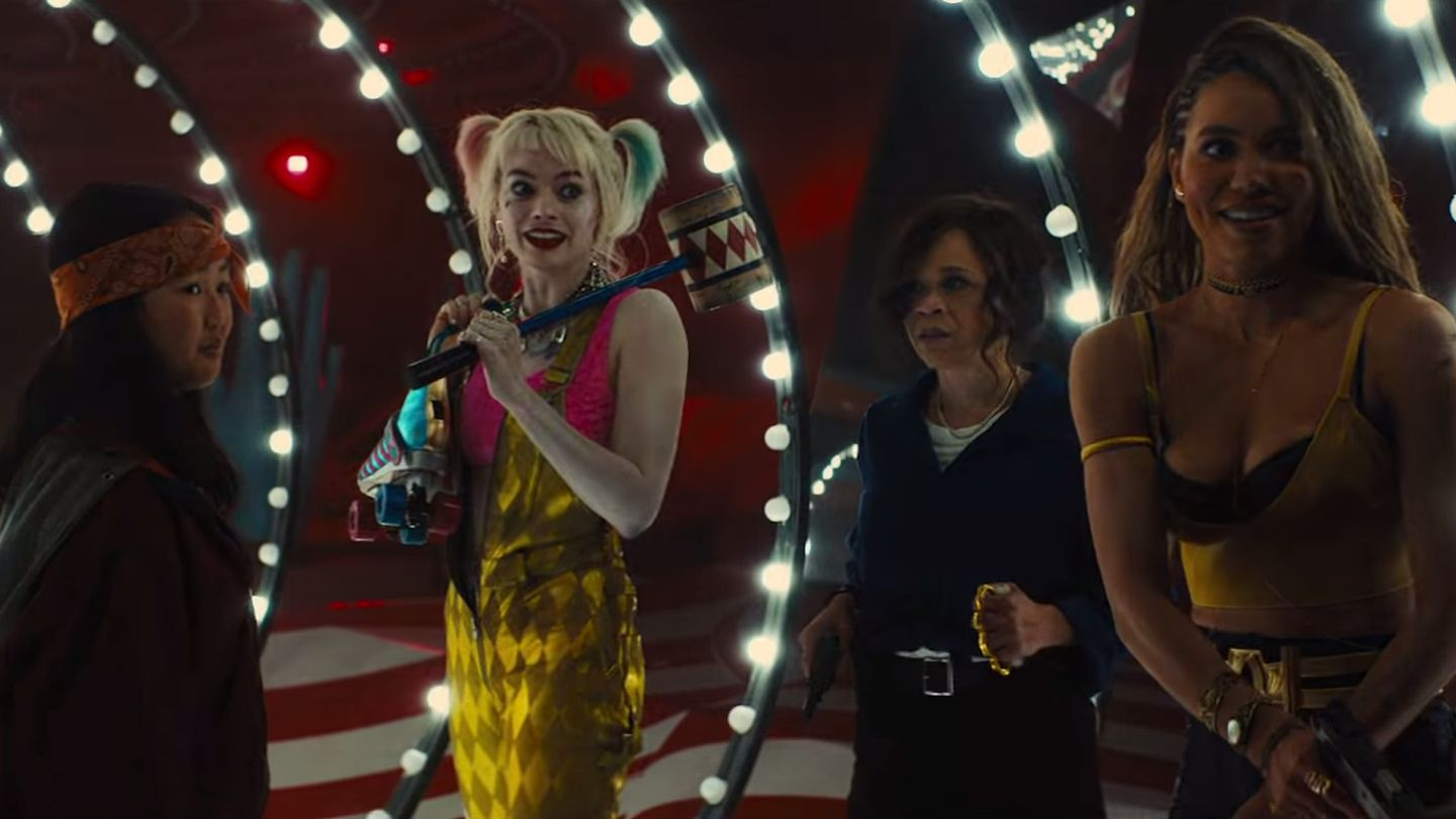 Harley Quinn Hangs Out With Hyenas In Her Bathtub In New Birds Of Prey Footage Mtv