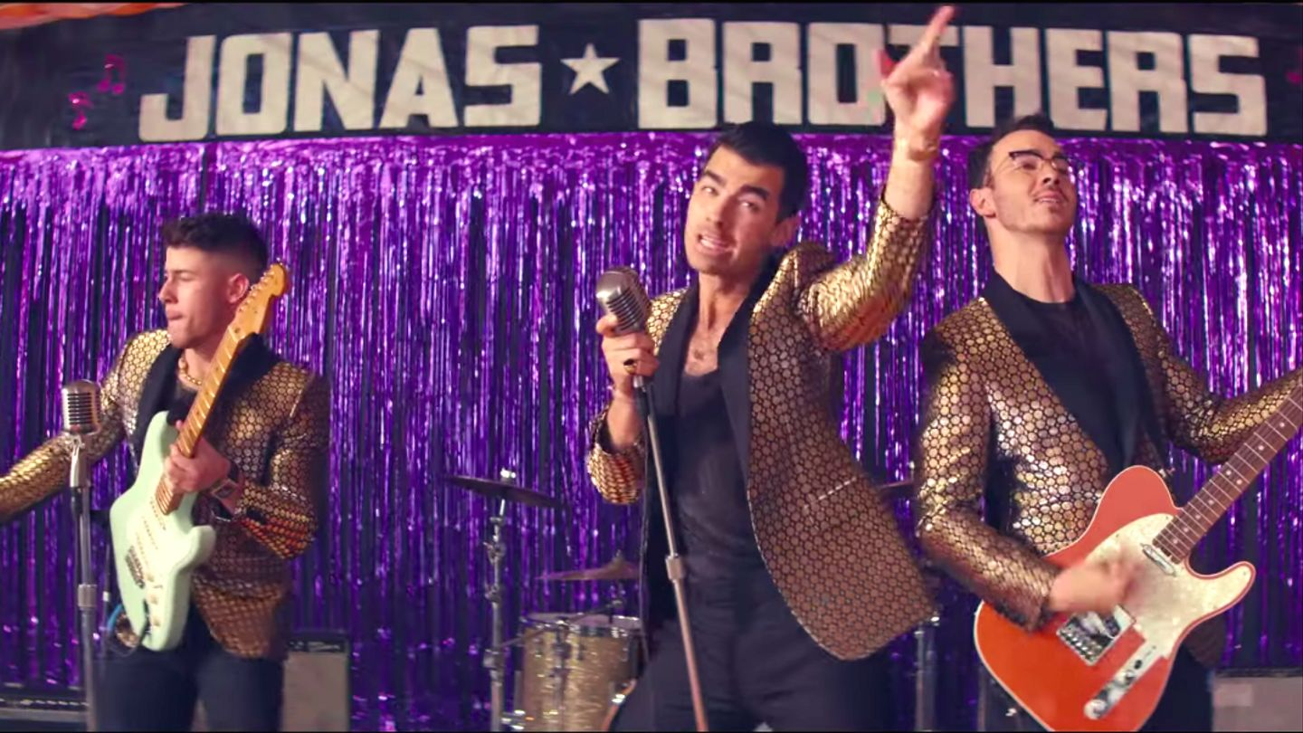 All Three Jonas Brothers End Up In Their Underwear In