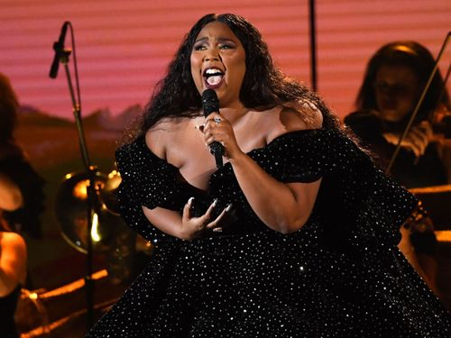 Lizzo's Dazzling Grammys Opener Proves She's The Best Flute Player. Period!