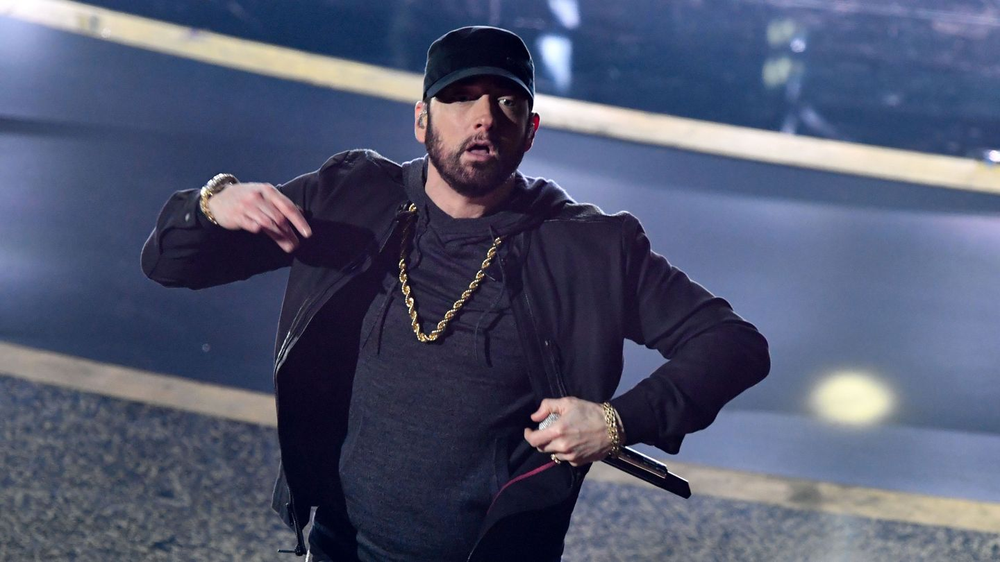 Eminem Crashed The Oscars And Made Everyone Lose Themselves