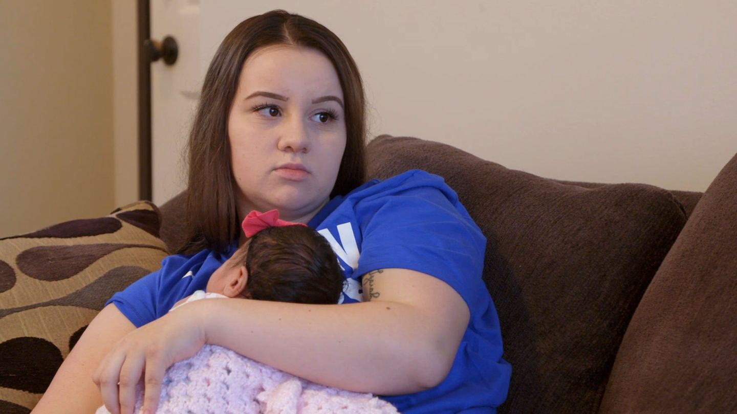 Will Young And Pregnant's Kayla Move Back Home -- Or Stay With Luke?