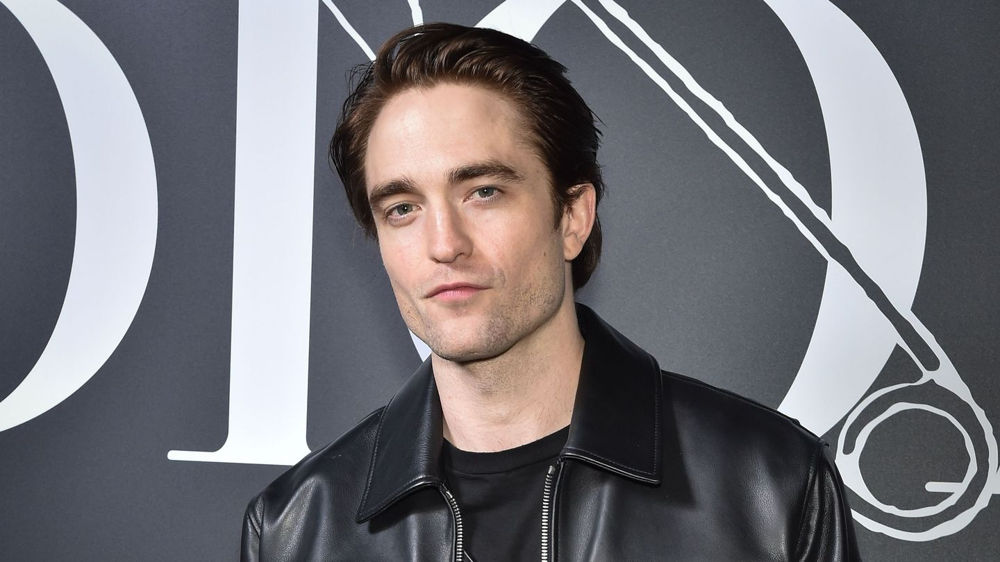 Robert Pattinson's Jawline Is As Strong As Ever In The Batman First Look