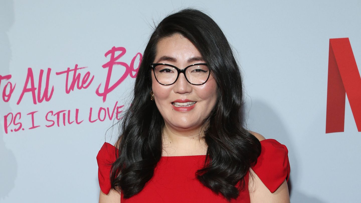 To All the Boys: P.S. I Still Love You Author Jenny Han Knows The Secret To A Perfect Love Triangle