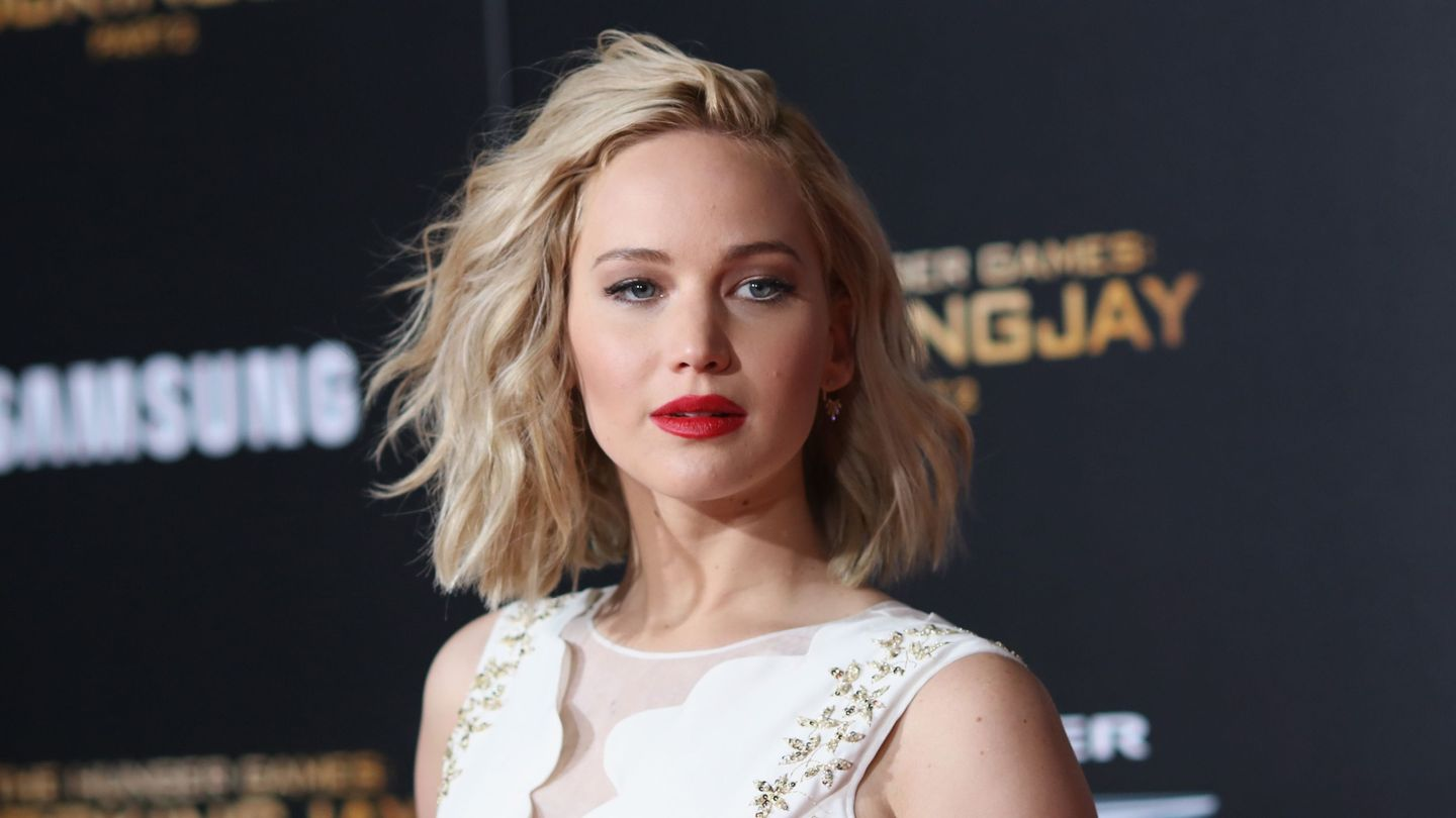 Jennifer Lawrence Thinks We're All Doomed In Don't Look Up
