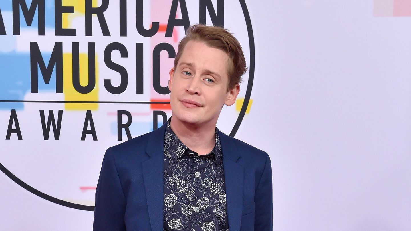 The Terrors Of American Horror Story Now Include Beaches And Macaulay Culkin