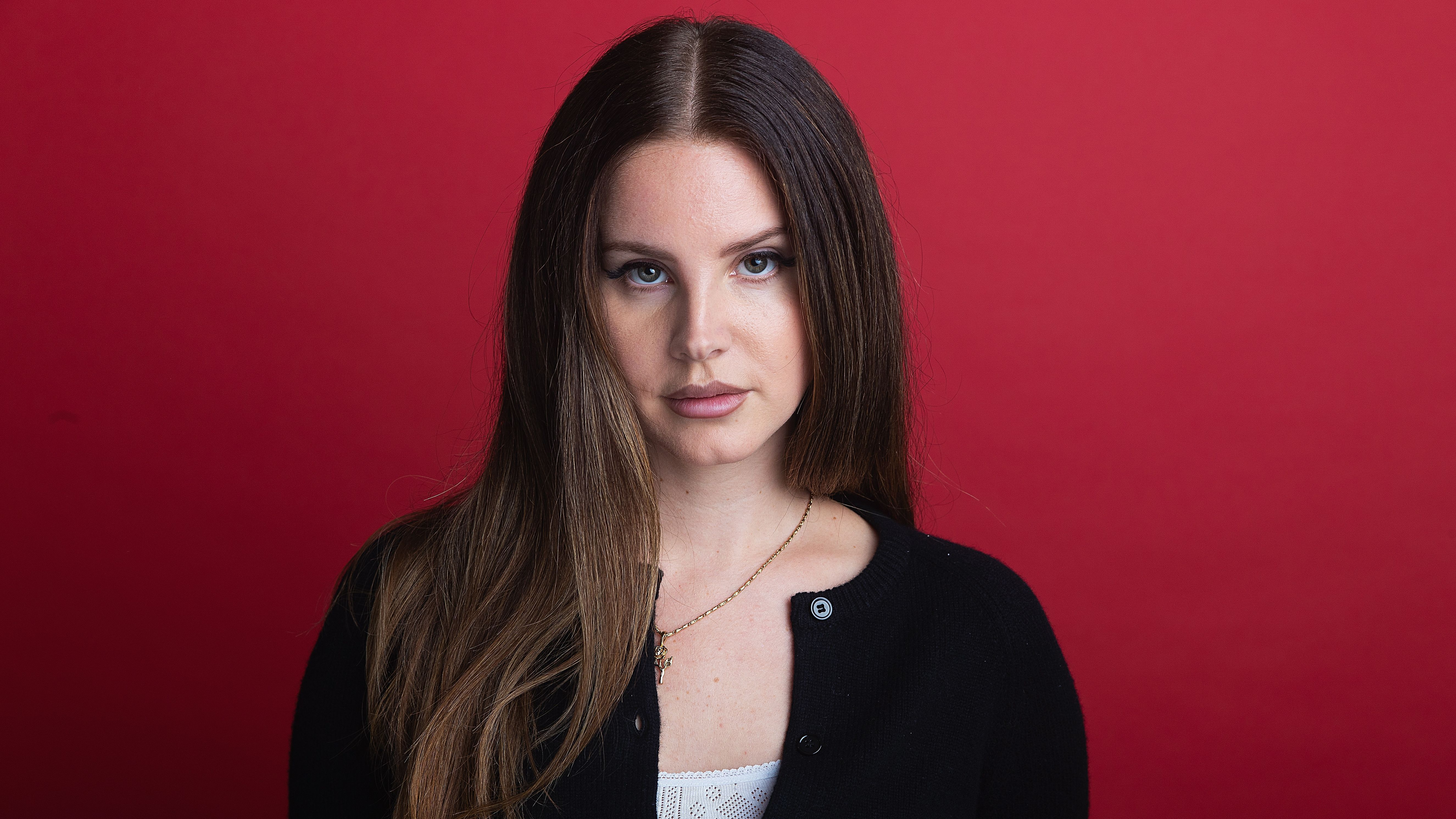 Lana Del Rey Says Wear A Mask With Interview Cover Just Not You Know This One Mtv
