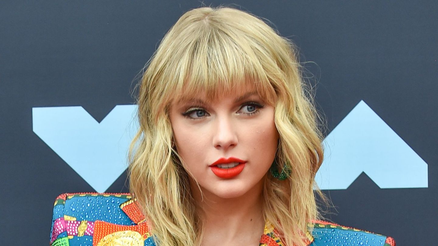 Taylor Swift Drops 'From The Vault' Breakup Bop 'Mr. Perfectly Fine' thumbnail