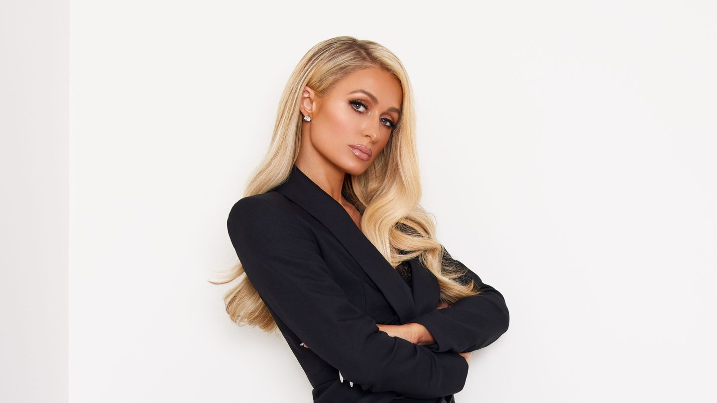 Paris Hilton's 'Stars Are Blind' At 15: BlackBerrys, Mythic Love, And Promising Young Woman thumbnail