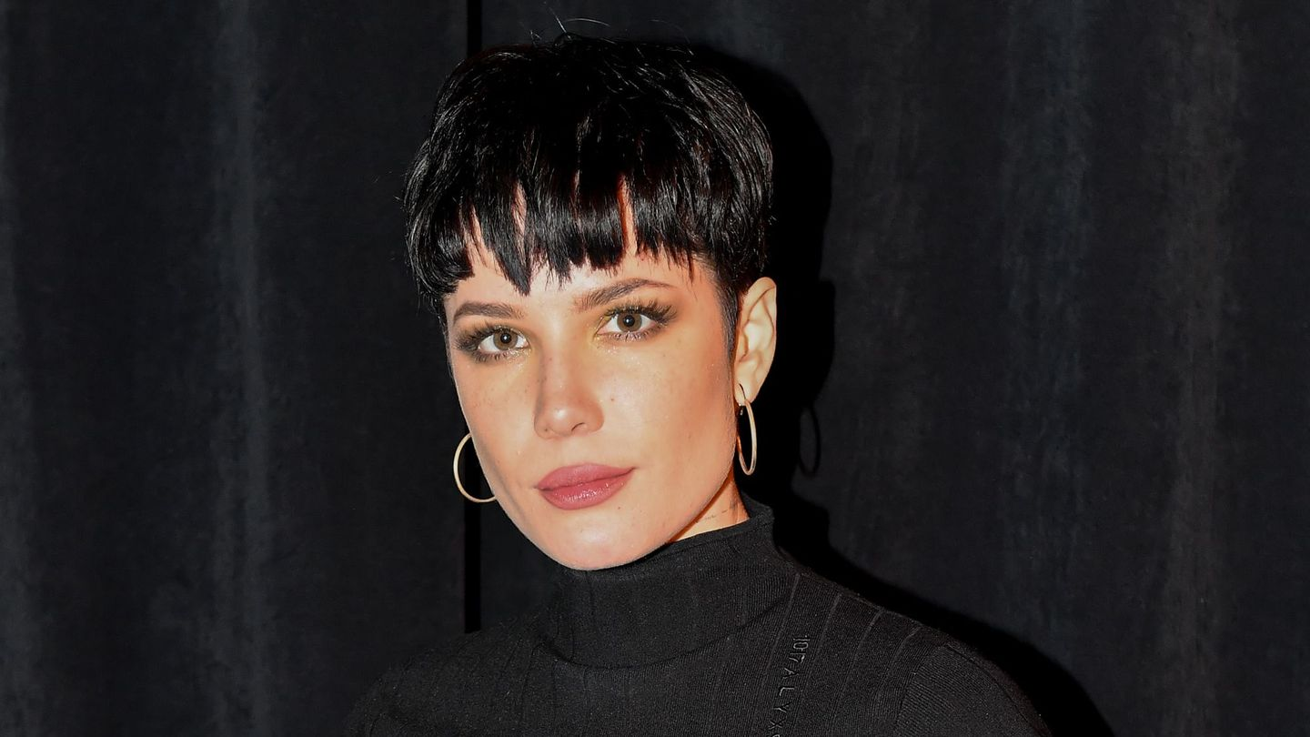 Halsey's Going Into The Void With Trent Reznor And Atticus Ross thumbnail