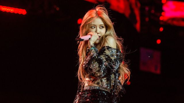 Blackpink's Rosé Beautifully Covers Alicia Keys's 'If I Ain't Got You' With Some Help.jpg