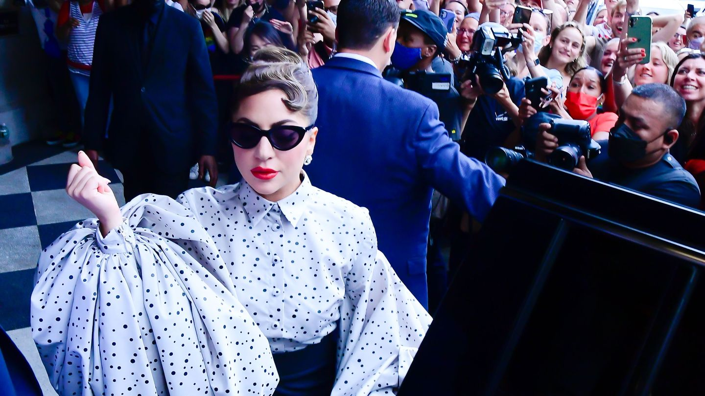 Lady Gaga Is Back In Center Frame In Gorgeous House Of Gucci Poster thumbnail