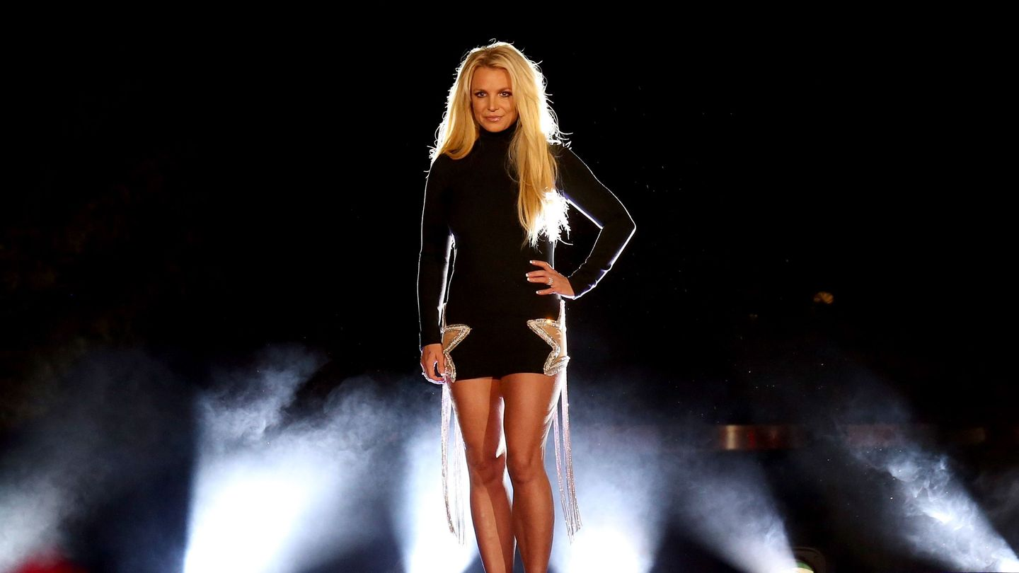 Britney Spears's Father To Step Down From Conservatorship, But Not Immediately thumbnail