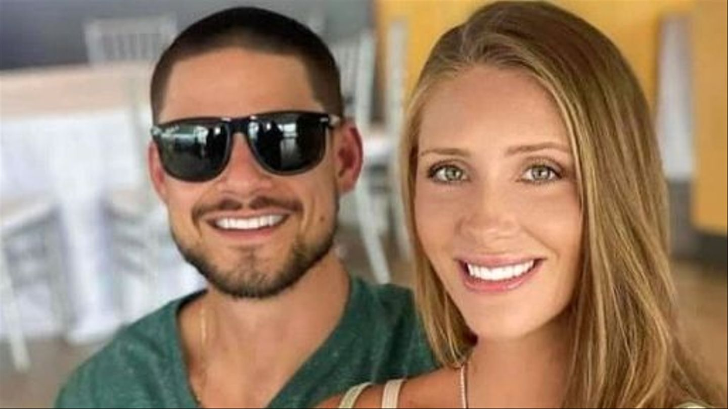 Challenge Couple Jenna Compono And Zach Nichols Welcome First Child thumbnail