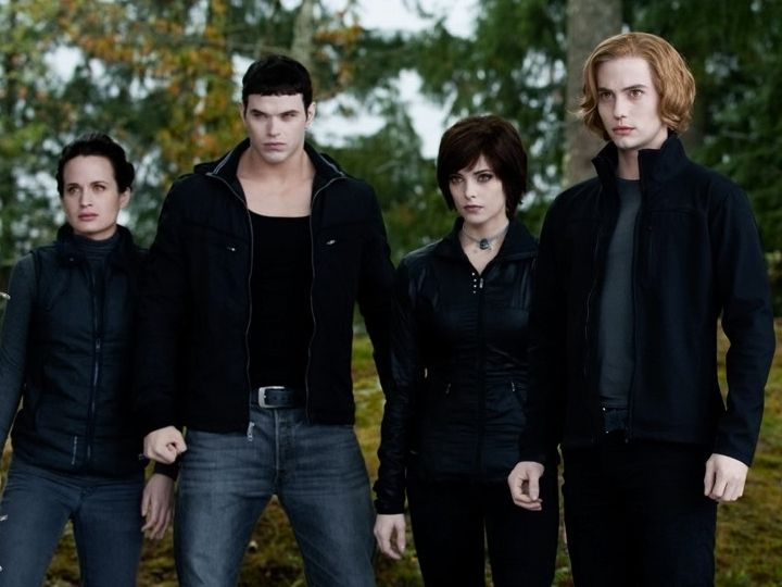 Twilight' Is Back And Bloody: 9 Secrets We Learned From The