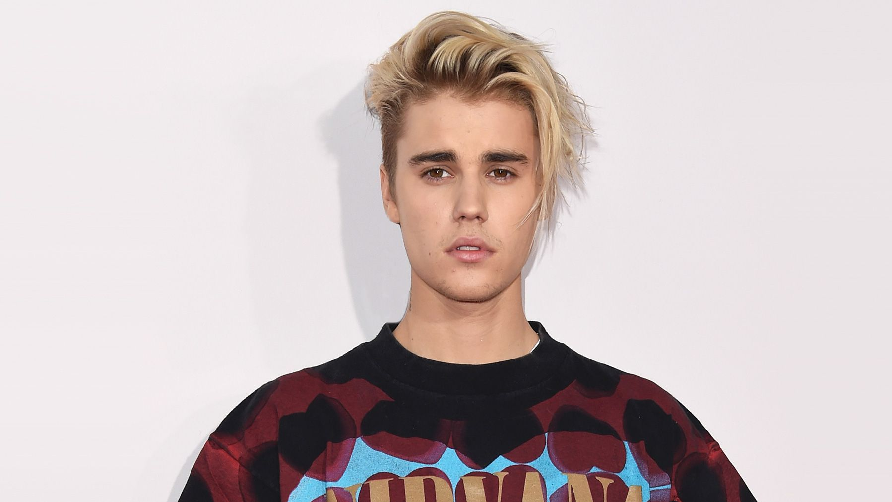 Justin Bieber Proves He Needs A Haircut With One Photo Mtv
