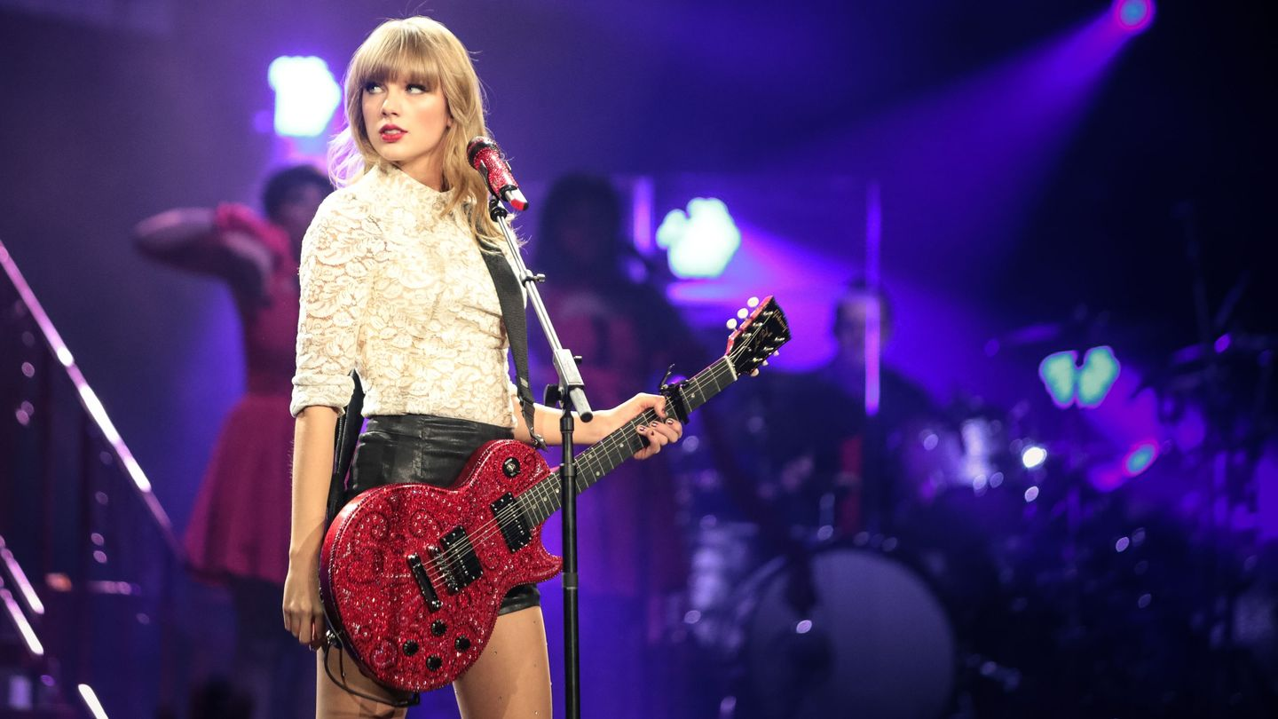 16 Performances From Taylor Swift's Red Era That We're Still Not Over