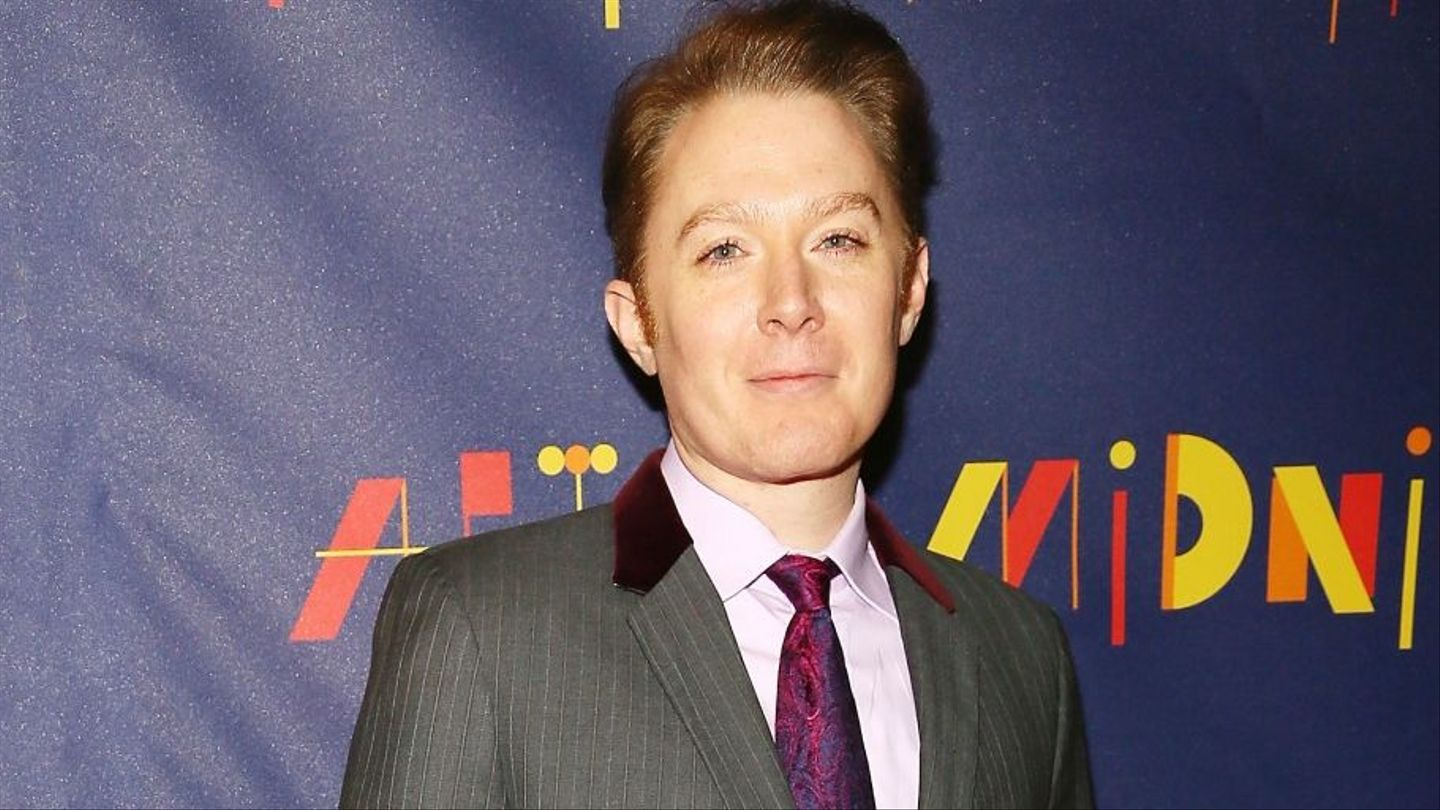 Clay Aiken Says Celebs With Nude Pics Deserve What They -9667