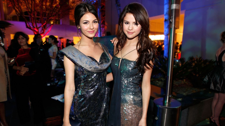 Selena Gomez And Victoria Justice Both Had Pretty 'Suite' First Kisses