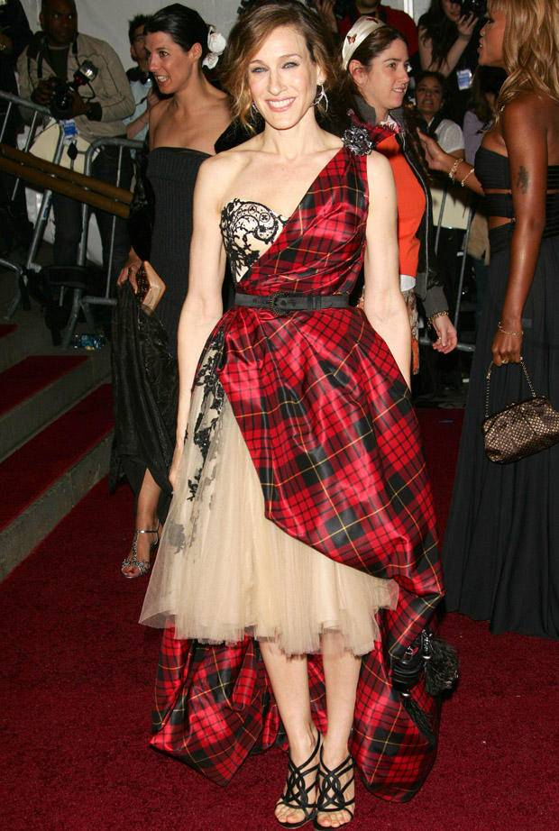 sarah-jessica-parker-2006-anglomania-tradition-and-transgression-in-british-fashion.jpg