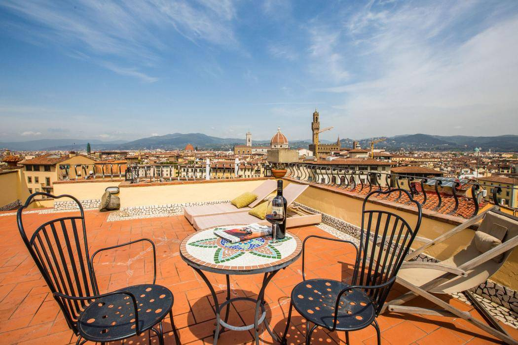 honeymoon-suite-florence-instagram-terrace-dining.jpg